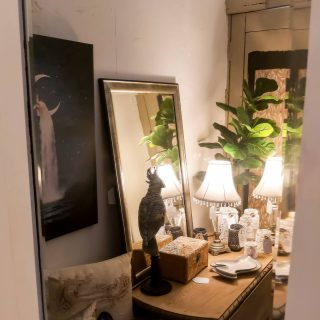 Open today 10 till 4pm! ❤  #inspired #create #design #decor #ambient #mood #lighting #flf #ficuslyrata #fake #plant #mirror #art #artsy #decorate #interior